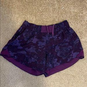 Lululemon hotty hot shorts sz 8